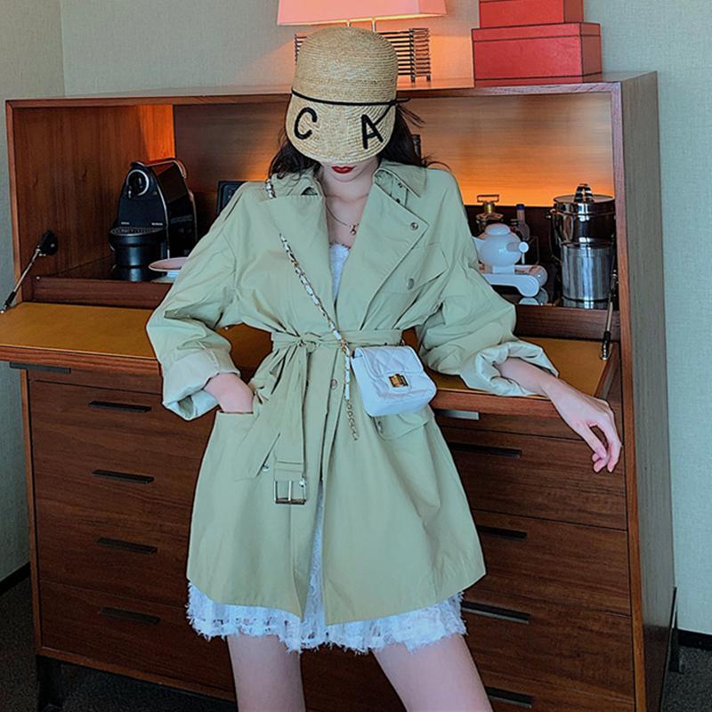 Photo Shoot 2020 Autumn Vestuário Loose-Fit cintura Abraçando o emagrecimento de mangas compridas lapela casaco Brasão Médio Longo