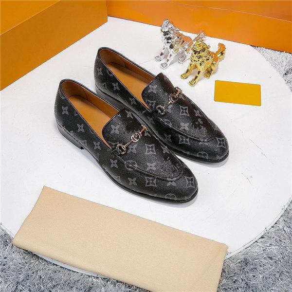 Main Hommes Chaussures en cuir véritable robe de haute qualité Italian Design Brown Couleur rouge Hommes poli à la main place des chaussures de mariage Toe