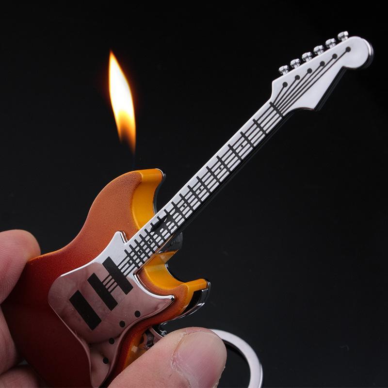 Cigarette Briquets gaz butane rechargeable guitare en forme de briquet porte-clés Briquets Creative Objets de collection portables