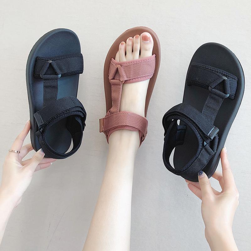 Sandali scarpe tacco con tacco tacco beige 2021 Donne di grandi dimensioni Black Black Low Fashion Beach Spiaggia Femmina Taglie Comfort Block Appartamento