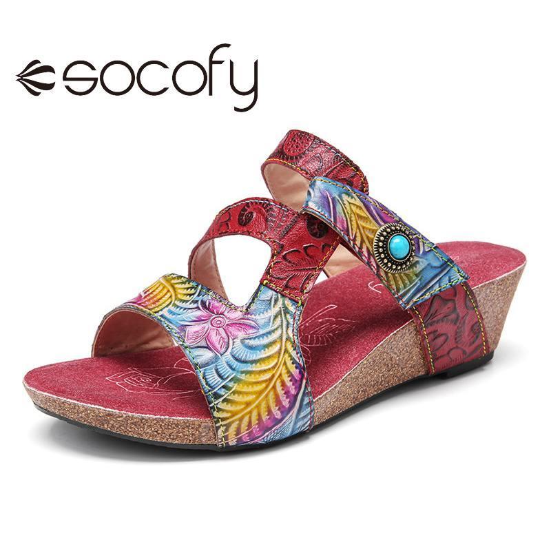 SOCOFY femmes en cuir Sandales perles gaufrée Floral crochet avec anneau Wedge Slides Sandales Casual plage extérieure Chaussures 2020