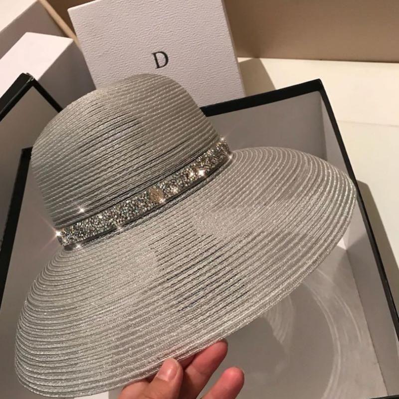 Солнцезащитные серебряных ВС Hat женщины новая летняя мода складной соломенная шляпа летом пляж путешествие купол мода ВС