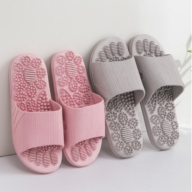 Yaz 2020 Yeni Kapalı Kaymaz Ayakkabı Unisex Katı Yumuşak Alt Çift Terlik Ev Sandalet Erkekler Masaj Noktası