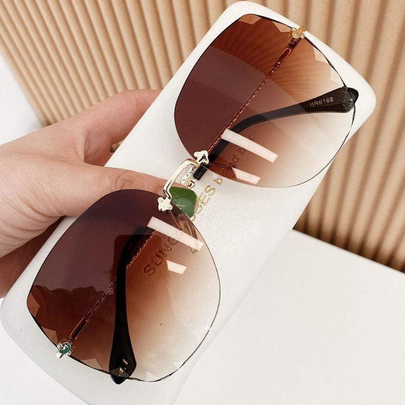 QPeClou 2020 New Trendy Luxury Metal Rimless Sunglasses Women Fashion Gradient Colorful Sun Glasses Female Frameless Shades