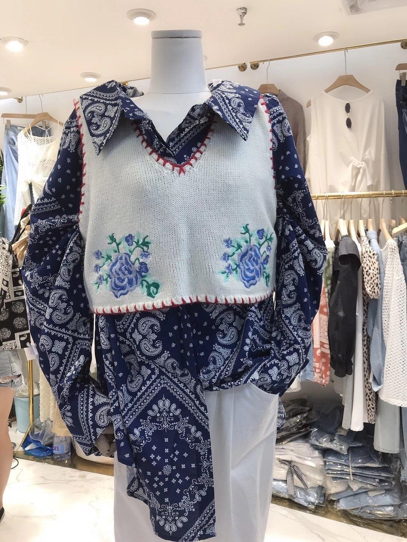 suelta del todo-fósforo suéter chaleco corto nuevo otoño y el invierno de Corea del suéter de 2020 la industria pesada bordado con cuello en V ropa del estilo de Corea de las mujeres