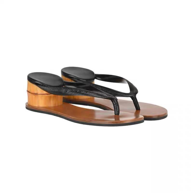 2020 Vente Hot Cozy Rome Sandales d'extérieur été étrange style femmes Tongs Pantoufles Désinvoltes Sandalias Mujer Chaussures pour femmes