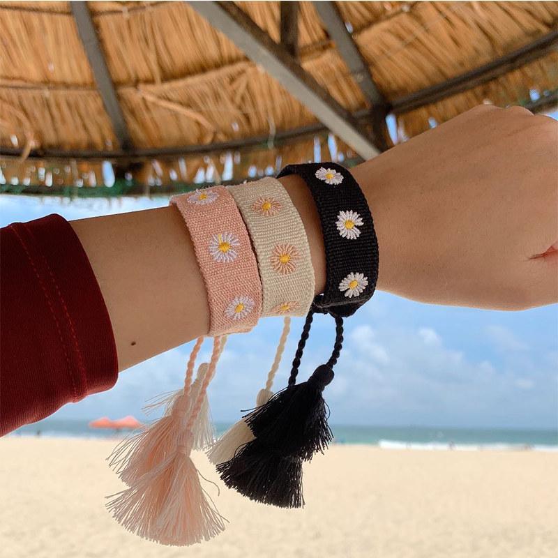 Célèbre marque de bijoux D style main Daisy broderie Bracelets femmes Tissus Tassel réglable Bracelet cadeau corde