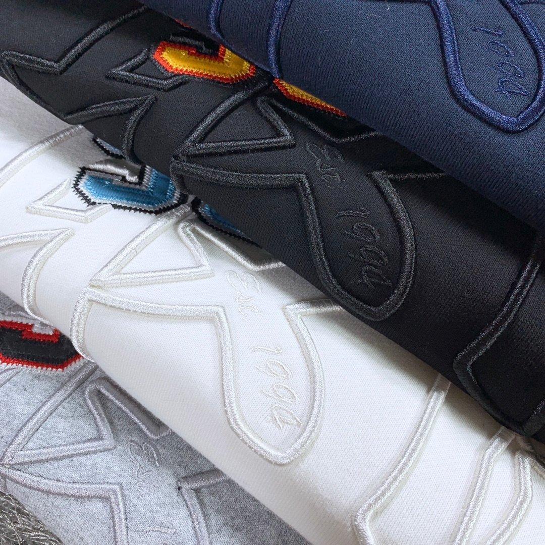 Automne et d'hiver nouvelles taille hommes pull col rond de mode casual 430 grammes tissu coton lourd amateurs de broderie poitrine S-XL