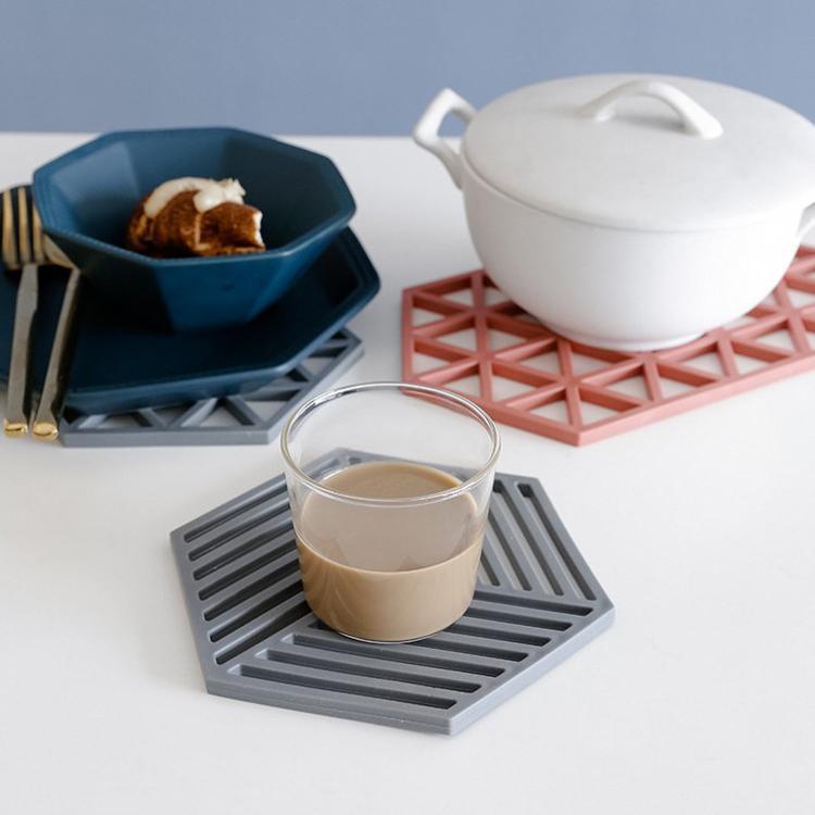 Kupa Mat İzoleli Mutfak Drinkware Altlıkları DHL Ücretsiz Kargo Oyma Sıcak satan Silikon Altlıkları Altıgen PVC Dayanıklı Kaymaz Heatresistant