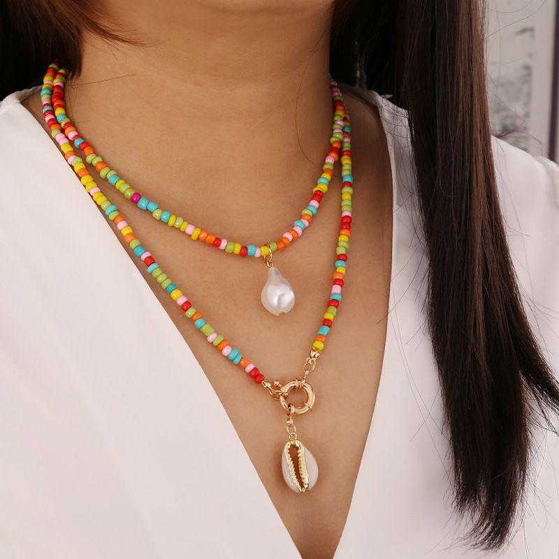 Boemia Pearl arcobaleno di semi di rilievo Shell Choker Collana Donne Moda clavicola catena Dichiarazione del pendente Collane