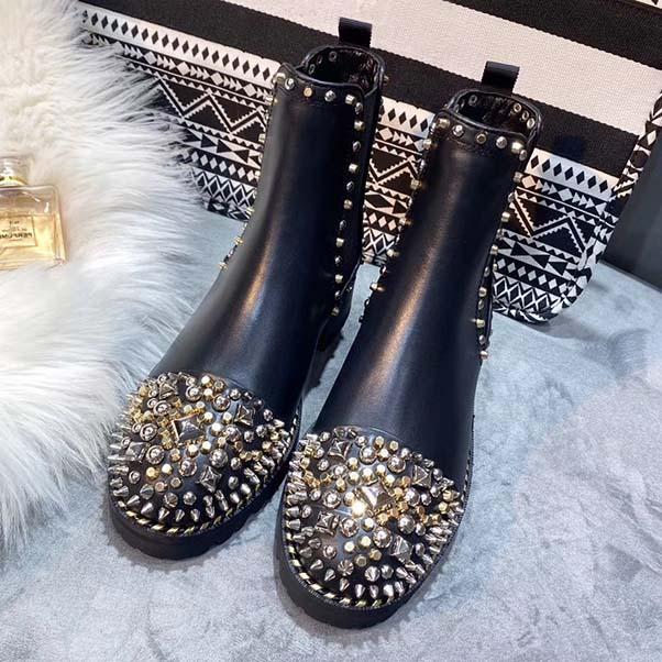 Diseñador de las mujeres de lujo Martin botas de alto nivel Moda Desert Boot marcas remache botas de otoño e invierno de la nieve de arranque Tamaño 35-41 con la caja
