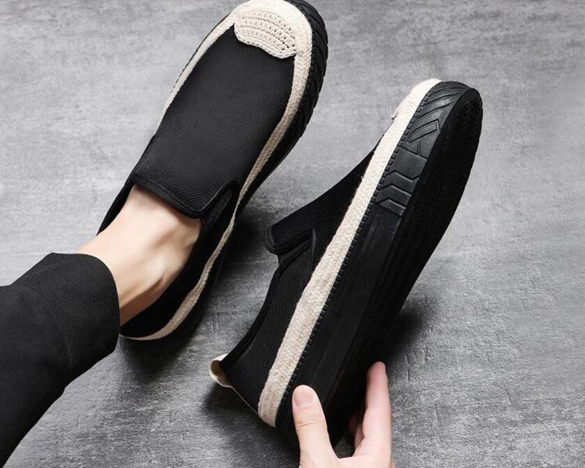 2021 Klassiker-Segeltuch männlichen Luxus Faulenzer Männer lässig Faulenzer Kostüm zeigen Tang Schuhe Herrenschuhe Designer traditionellen Retro-Slip-on