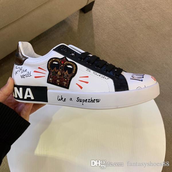 En Moda Lüks Erkekler Antrenör Sneakers Erkek Spor Kırmızı Alt Erkekler Flats Doodle Parti Düğün Ayakkabı Boyut 38-45