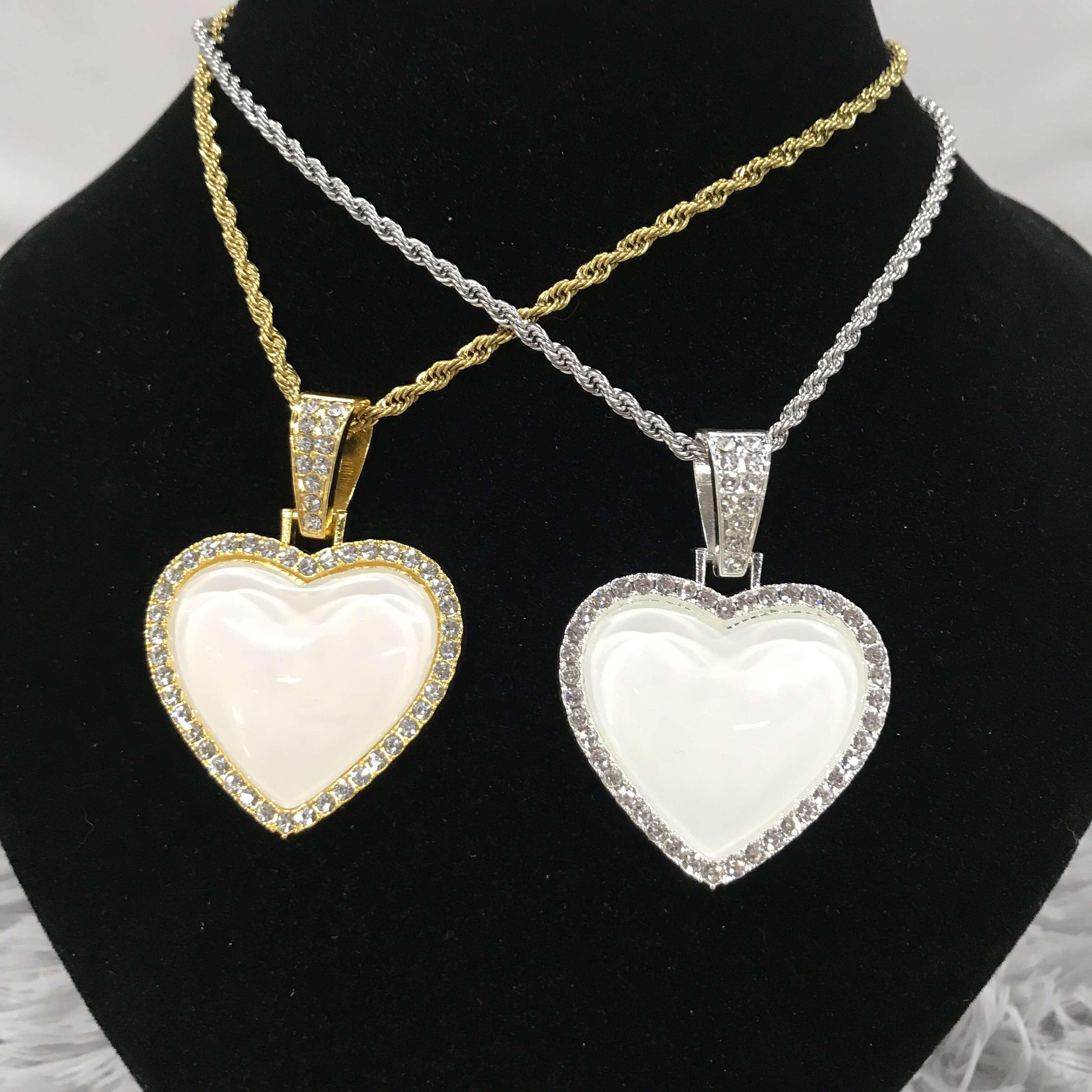 20 Pz / lotto Sublimazione personalizzata Pendente a forma di cuore Blank / Collana per regali di San Valentino