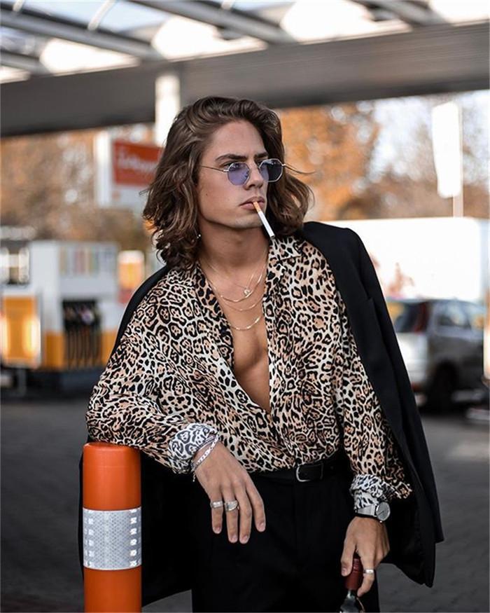 Mens Leopard alta Moda Camisas do verão lapela V-Neck manga comprida Sexy shirt Man Rua soltos roupa ocasional
