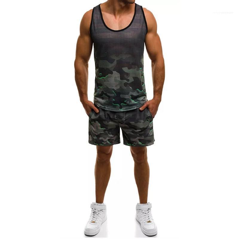 2 Piece Koşu Şort Yelek Yaz Casual Kazak Kolsuz En Moda Erkek Spor Kamuflaj Baskılı Erkek Tasarımcı Eşofmanlar Spor