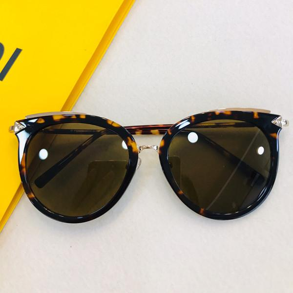 جديد 0667 المرأة مصمم النظارات الشمسية الشعبية الساحرة موضة النظارات الشمسية أعلى جودة UV400 حماية النظارات الشمسية تأتي مع حزمة