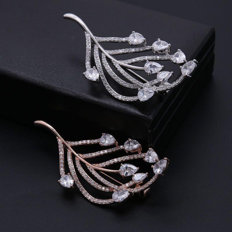 Honghong Hohe Qualität Zirkonia Blatt-Art-Broschen für die Dame Schmuck Strass Broschen für Hochzeit New Year Geschenke WX8001