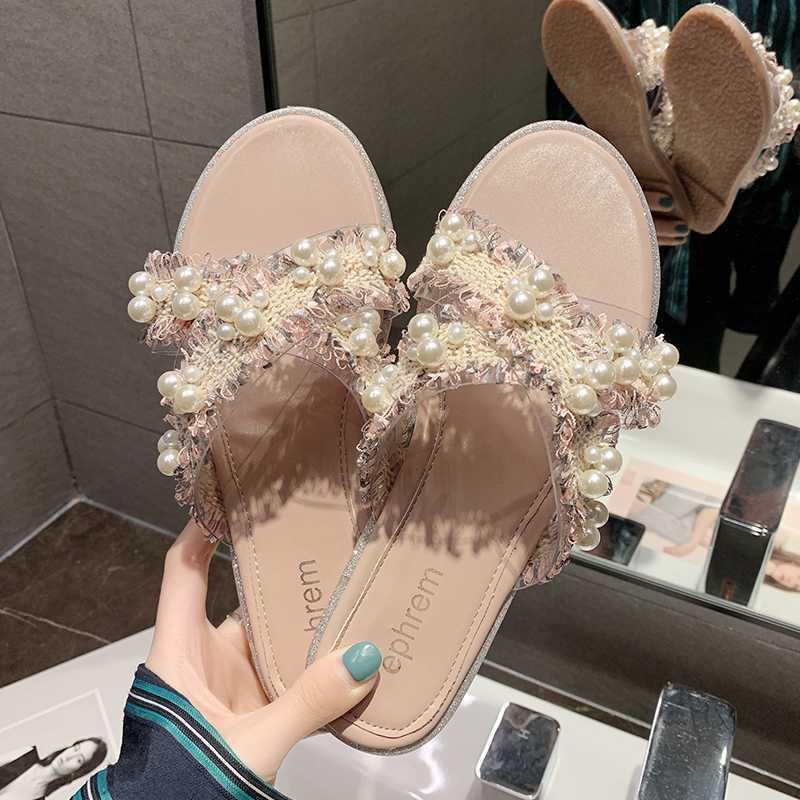 Plano Chinelos Mulheres Moda 2020 New Verão selvagem pérola Ladies sandálias macias Chinelos inferior resistentes ao desgaste