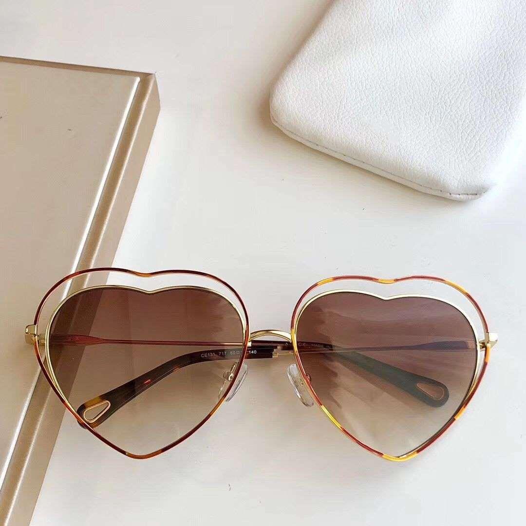 2020 إمرأة جديد مصمم أزياء النظارات الشمسية الرجعية إطار الحماية الشعبية خمر UV400 عدسة العين أعلى جودة النمط الكلاسيكي CE131