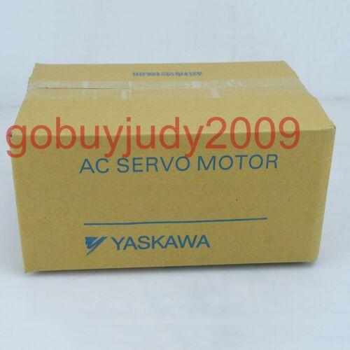 1PC yepyeni Yaskawa SGMP-04A314 Kalite güvence hızlı teslimat