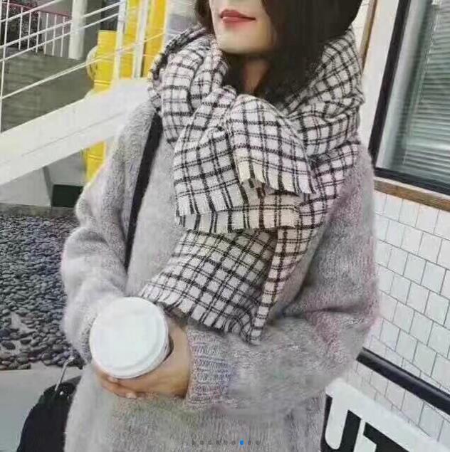 lenço 85 * 200 de caxemira mulheres de marcas européias de moda no outono / inverno estilo 2020 estrela cachecol em Milão, Itália