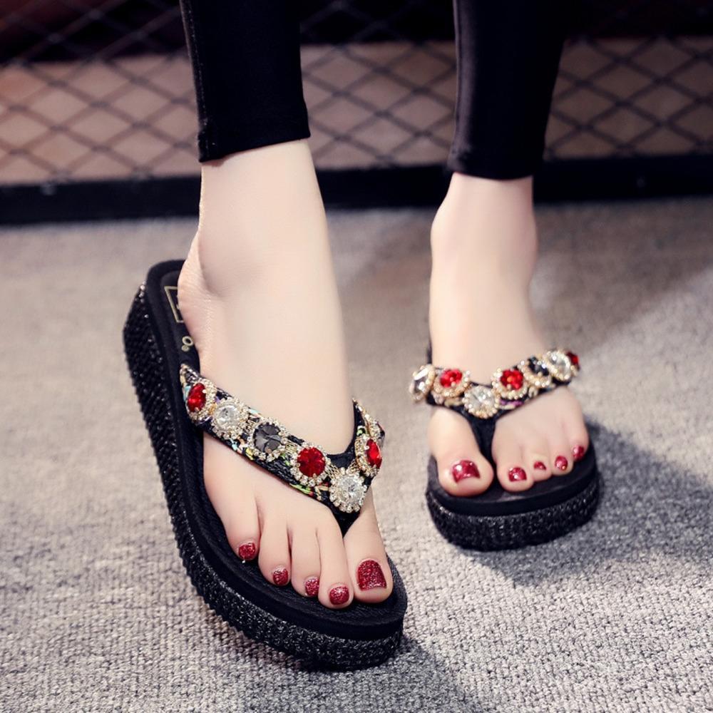 O063P İnternet ünlü sandalet Sandalet Flip-flop kadın yaz moda yapay elmas hepsi maç açık aşınma orta topuk kalın BOTTO çevir-flop