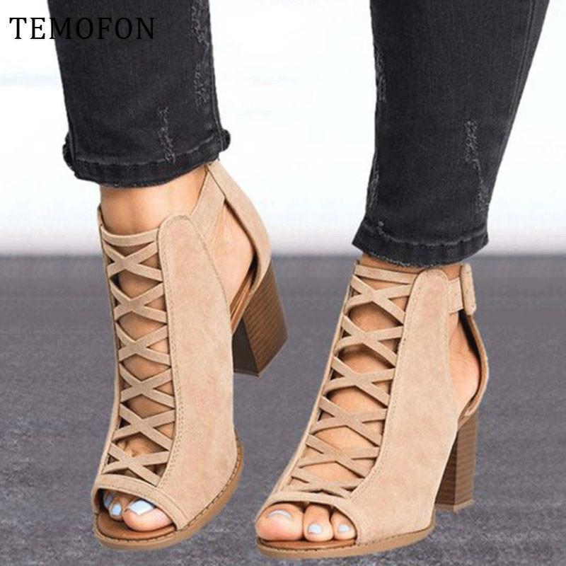 TEMOFON 2020 Frauen quadratische Ferse Sandalen Peep Toe aushöhlen klobig Gladiator-Sandalen mit Band schwarz Frühjahr Sommerschuhe HVT791 Y200405