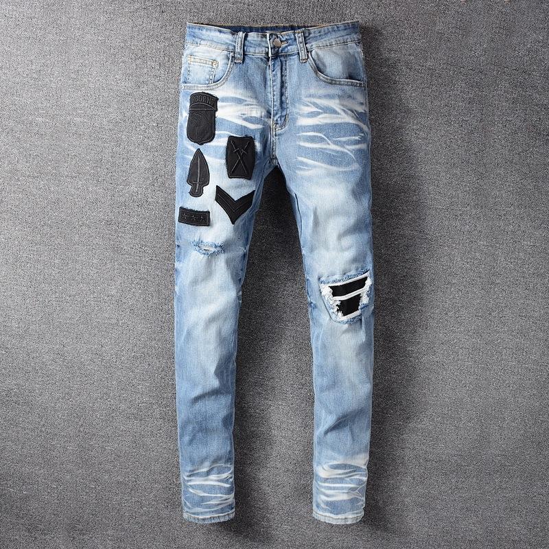 Neue Männer Abzeichen und gestickte Jeans bestickt Loch dünne Jeans fit dünn Männer 617 ISvyZ