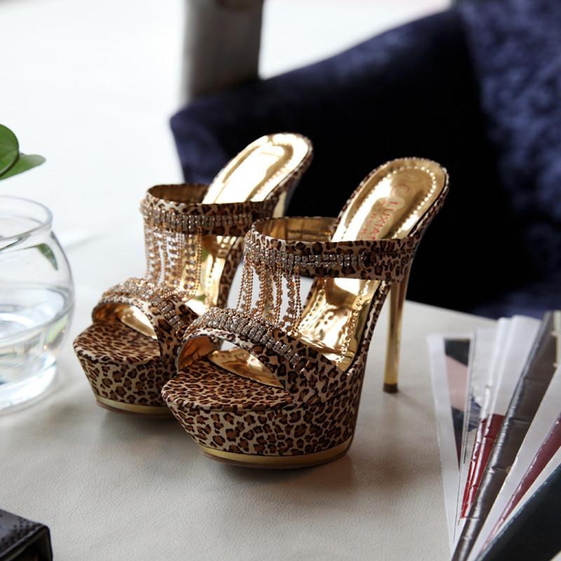 chaussures femme plateforme talon haut sandales Peep Toe Escarpin décoration en métal strass Chaussures Femme Pompes d'été Femmes