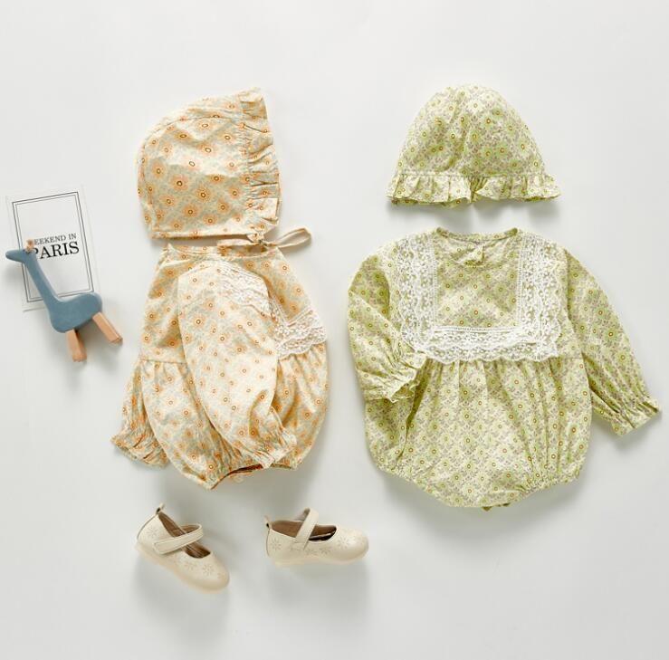 INS BABY ملابس فتاة جولة كم طويل الياقة الكامل زهرة مع الدانتيل رومبير + قبعة 100٪ القطن الطفل تسلق الربيع الخريف فتاة رائعة رومبير