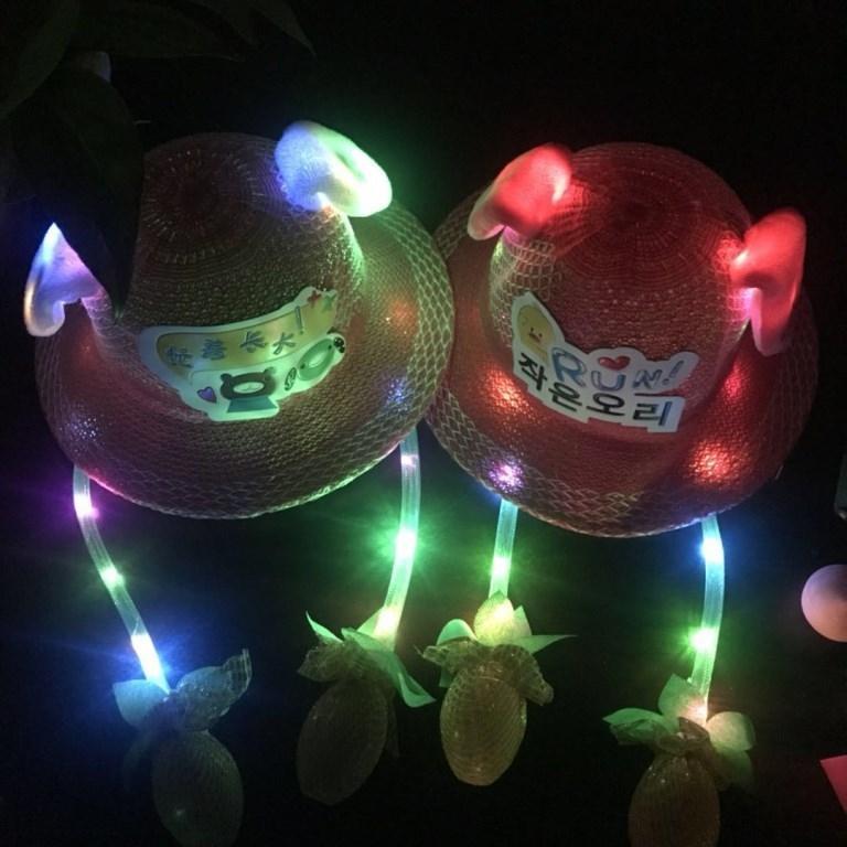2020 printemps et le style d'été oreille de lapin lumineux paille pêcheur déplacer la paille pour les enfants avec des lumières chapeau de soleil chapeau créatif pêcheur mignon CLD ne
