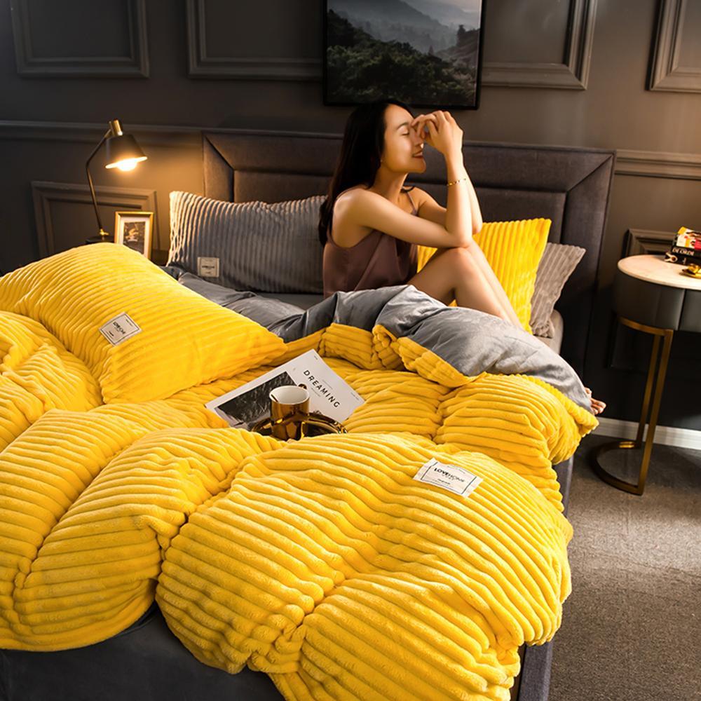 4 قطع عادي اللون رشاقته الفانيلا الدافئة الفراش مجموعة المخملية لحاف غطاء السرير ورقة سادات المنزل بياضات السرير T200826