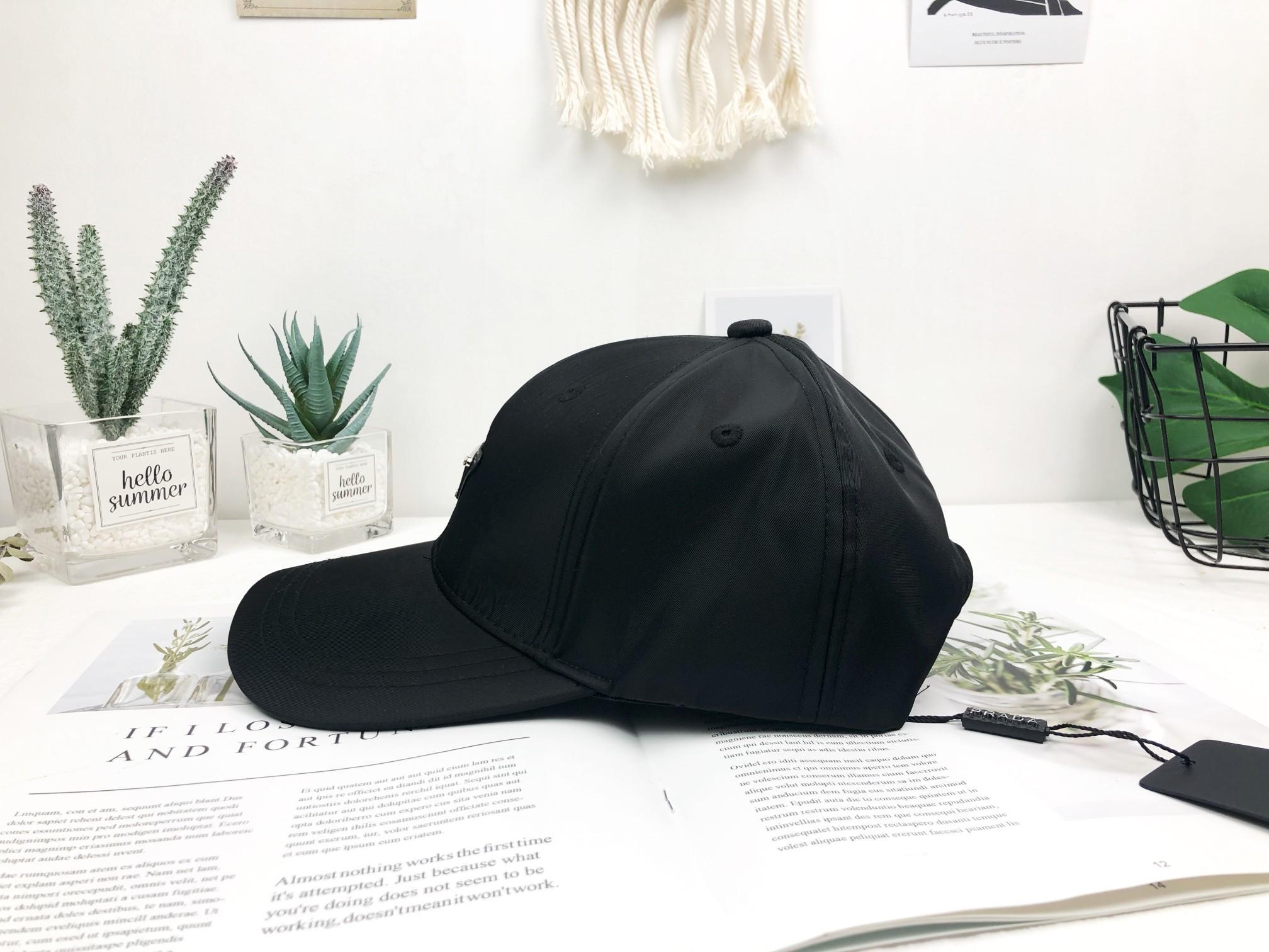 20 casquette de baseball européenne et la broderie américaine de nouvelles lettres imprimées chapeaux de marque sombre chapeau élastique couple de réglage gramme