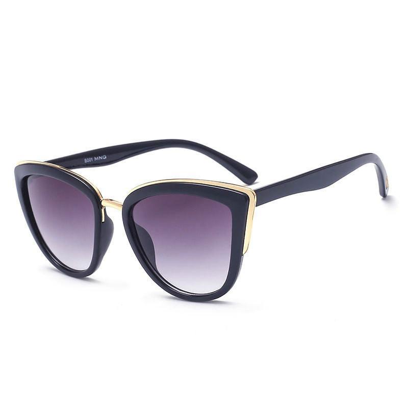 Moda Cat Eye di pendenza degli occhiali da sole donne di disegno di marca Metal i vetri tendenza il retro tutto-fiammifero classico degli occhiali da sole UV400
