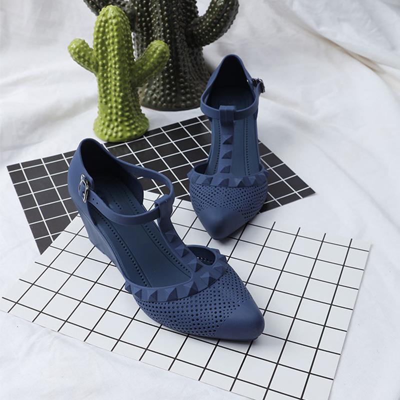 2020 Kamalar Kadın Sandalet Kadınlar Toka T-Bağlı Sivri Burun Bayan Ayakkabı Kadın Rahat Moda Kadın Nefes ayakkabı