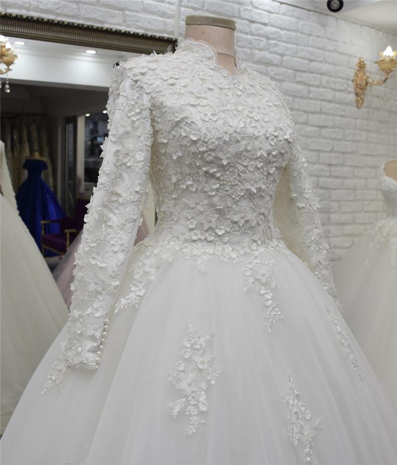 Vestido De Noiva 2020 Müslüman Gelinlik Dubai Yüksek Boyun Dantel 3D Çiçekler İnciler Uzun Kollu Gelin Giydirme Robe de Mariage