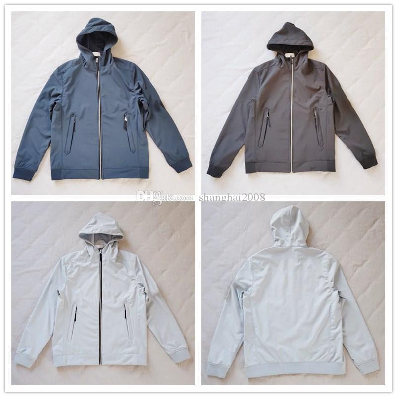 남성 자켓 # 40927 핫 패션 가을 겨울 재킷 모자 LIGHT SOFT SHELL-R 재킷 디자이너 패션 스웨터와 새로운 도착