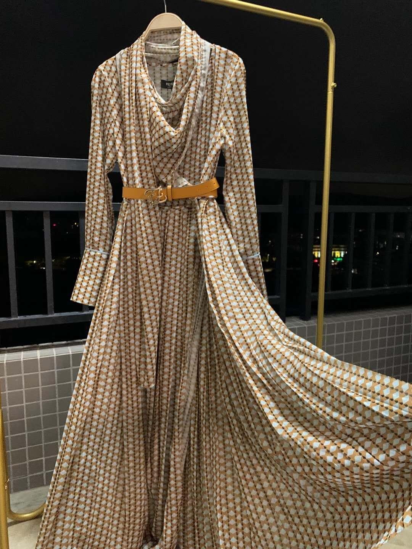 2020 Khaki طباعة طويلة النساء اللباس مصمم طويل الأكمام حزام مصمم ماكسي اللباس الراقية فساتين المدرج 801113