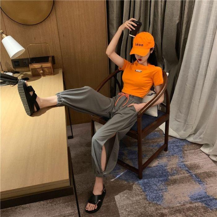 Moda internet ünlü elbise kız öğrenci 2020 Yaz Kore tarzı gevşek kısa gövde gövde tişört pantolon tişört + 9 noktalı Harlan bölünmüş pa