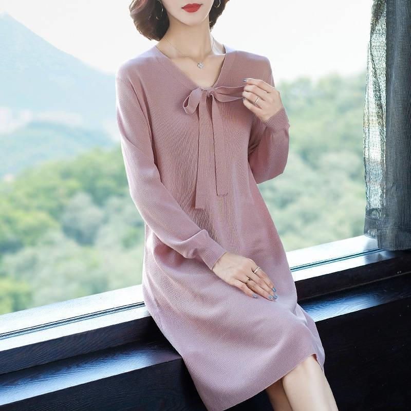 2020 Herbst und Winter neue Volltonfarbe Basis koreanische Art Allgleiches halbe Länge gestrickt V-Ausschnitt Pullover Kleid Kleider Pullover Pullover Ski Rock