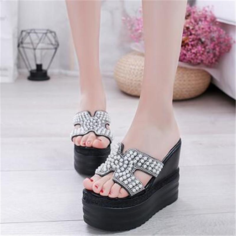 Новые женщины клинья Слайды High Heels досуг летние кристаллы Мода Сандал обувь женщина женщины Платформа мулов Тапочки Черный Белый