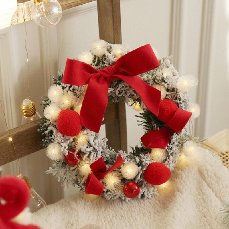 Nuova Corona di Natale con LED String Luce Bowknot e peluche palline decorate Garland per la parte anteriore della finestra del portello Wall Hanging Decor