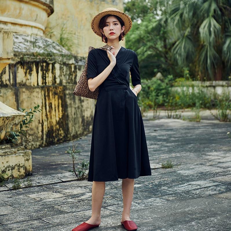 xOc5J Rock der Frauen 2020 Frühling und Herbst der neuen Art kühlen elegante Schlankheits Kleid der Frauen faul mittlere Hülse Kleid
