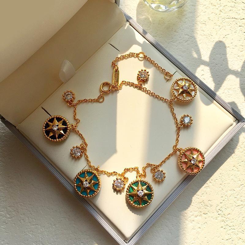 Bijoux Fashion New 2020 Femme Bracelet d'or Huit-Man Astrolab Cinq Fleurs en acier inoxydable Designer cadeau