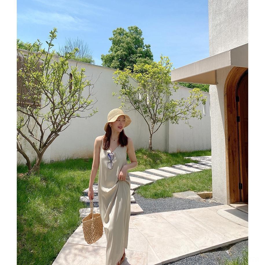 Zichuan 2020 Summer satin encolure en V sexy jupe légère jarretelle écharpe porte-bébé jupe robe maturité robe jarretelle creux de la vague française 3570