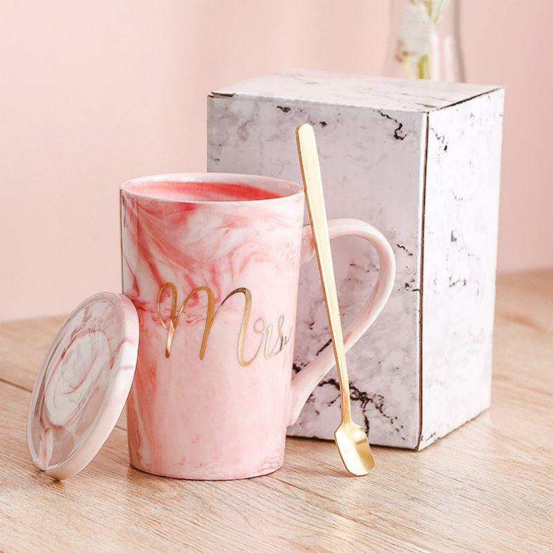 플라밍고 세라믹 사무실 커피 컵과 접시 세트 우유 차 머그컵 생일 커플 선물 친구 컵과 숟가락 선물 상자 유럽 커피 컵