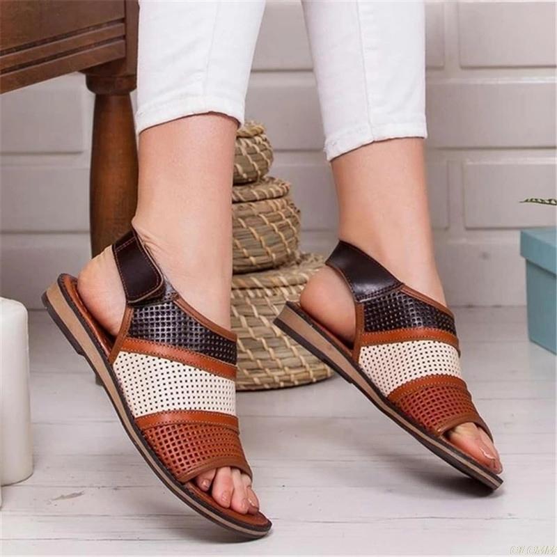 Été femmes sandales plates évider dames crochet Boucle PU cuir Chaussures plates Femme Peep Toe Casual Rome Mode Chaussures Femmes 2020