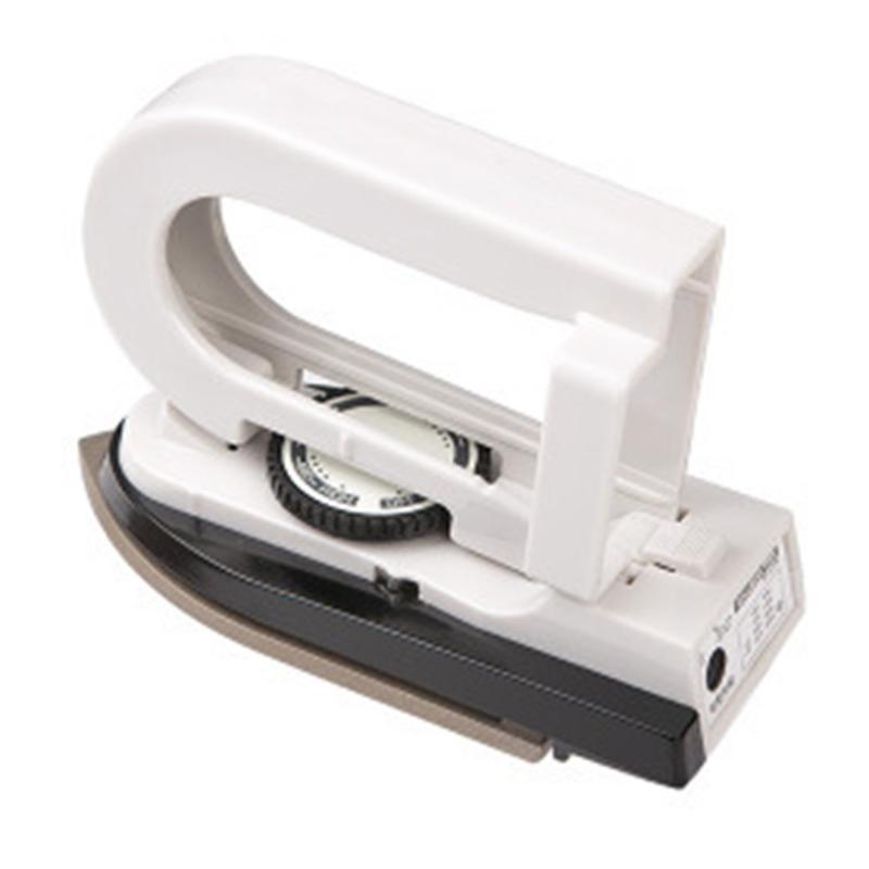 Mini-vapeur portable pliable électrique Fer à repasser pour les vêtements est livré avec régulateur de tension de poche Flatiron Pour la maison Traveling
