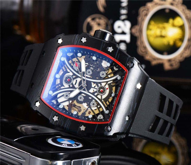 حار بيع الرجال تصميم الأزياء ووتش أسود حالة الفولاذ المقاوم للصدأ الحركة التلقائية الميكانيكية الاجتياح ساعات رجالي المطاط الشريط ذكر هدية ساعة